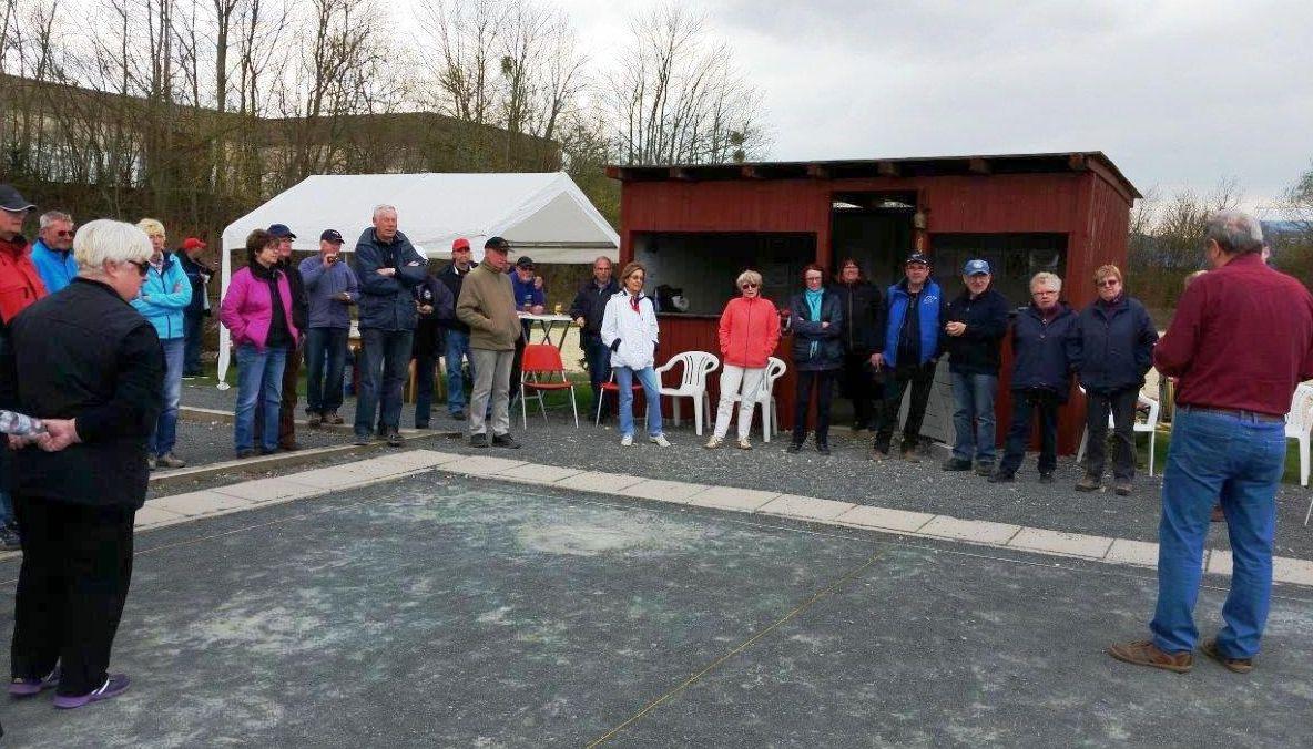 40 Teilnehmer beim 2.Kirchdorfer Startturnier begrüsste Eitel-H.Neumann