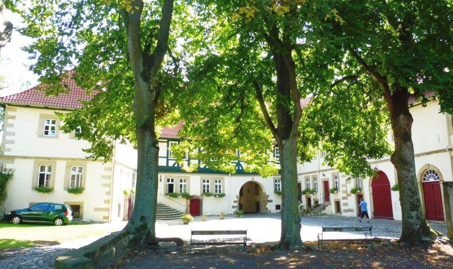 2015 E8 Rittergut Stemmen Gärtner Haus 004