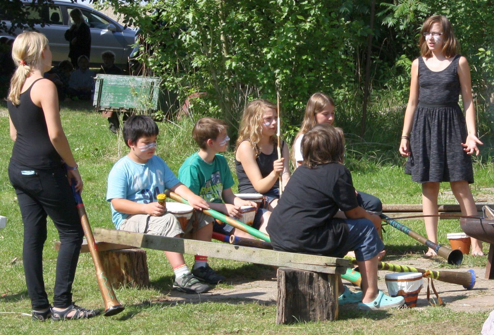 4 auftritt Didgeridoos