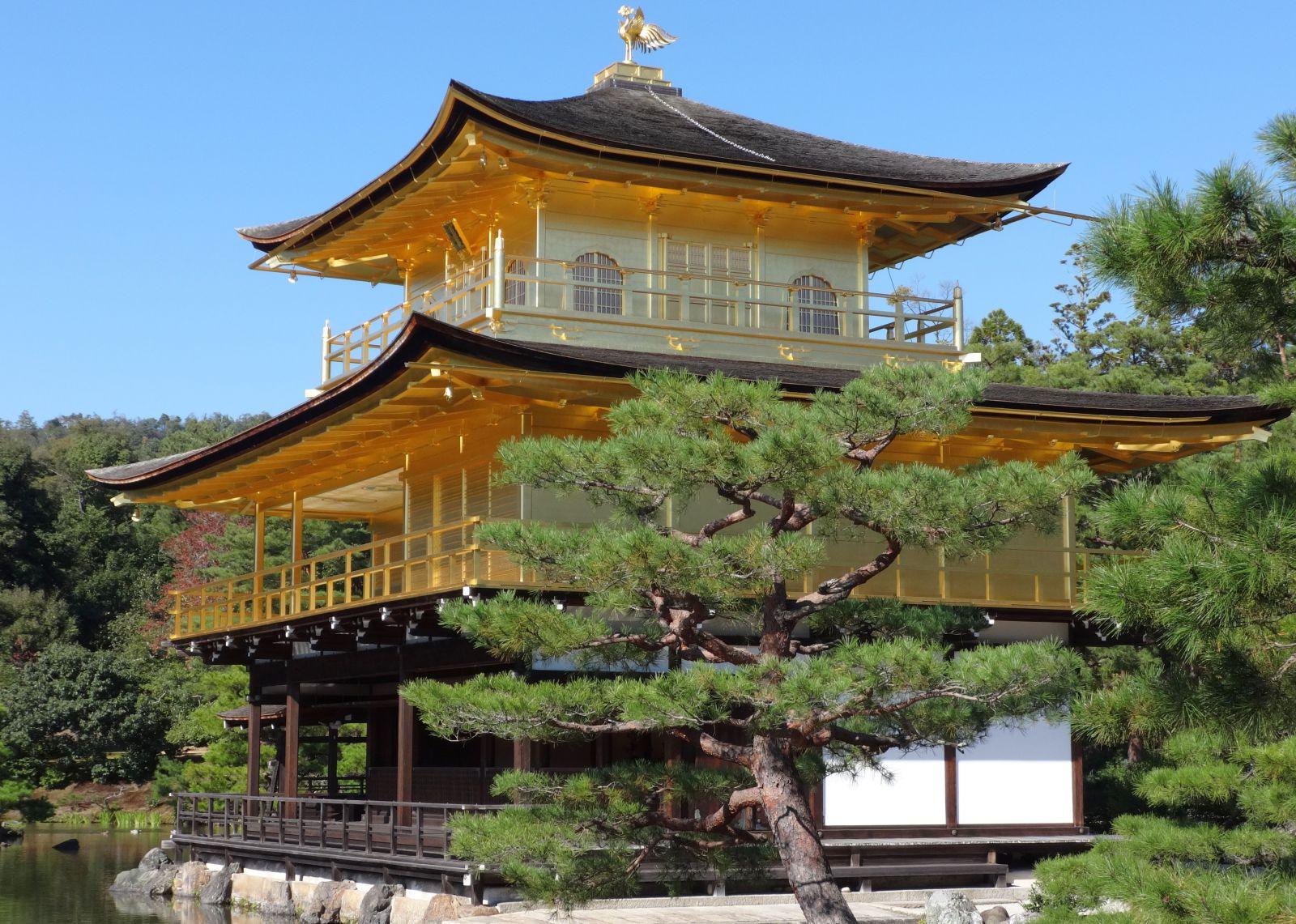 Das kaiserliche Japan Der Goldene Pavillon in Kyoto