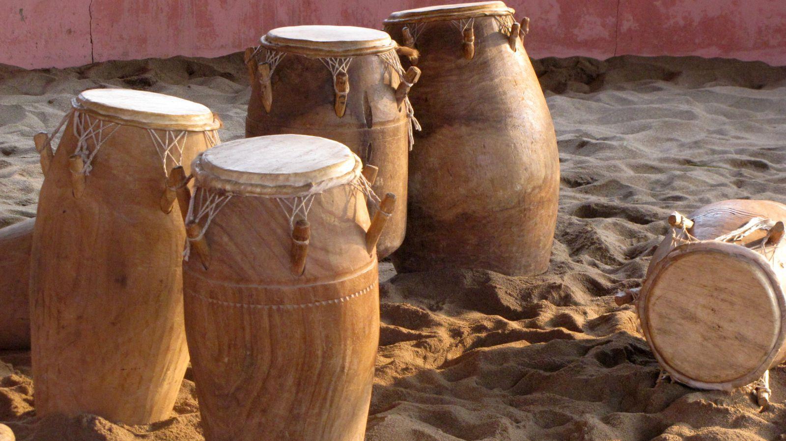 Trommeln im Sand