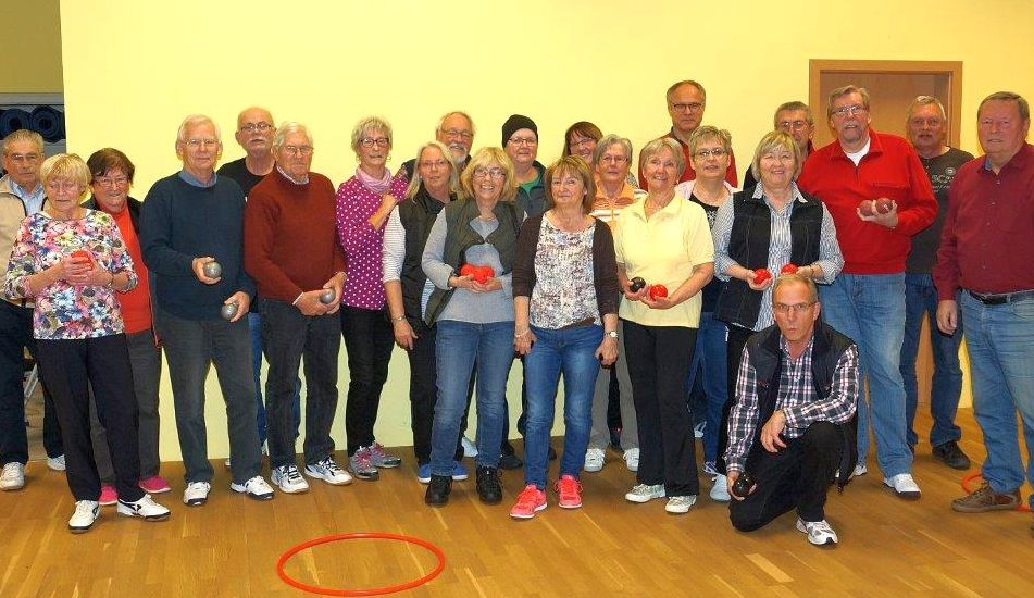 1.Indoor-Bouleturnier in Kirchdorf mit 25 Teilnehmern aus Kirchdorf und Langreder