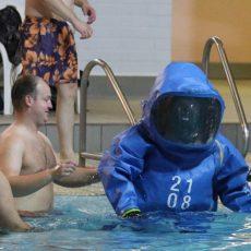 """Feuerwehren sind unter dem Motto """"fit for fire"""" beim 24-Stunden-Schwimmen dabei"""