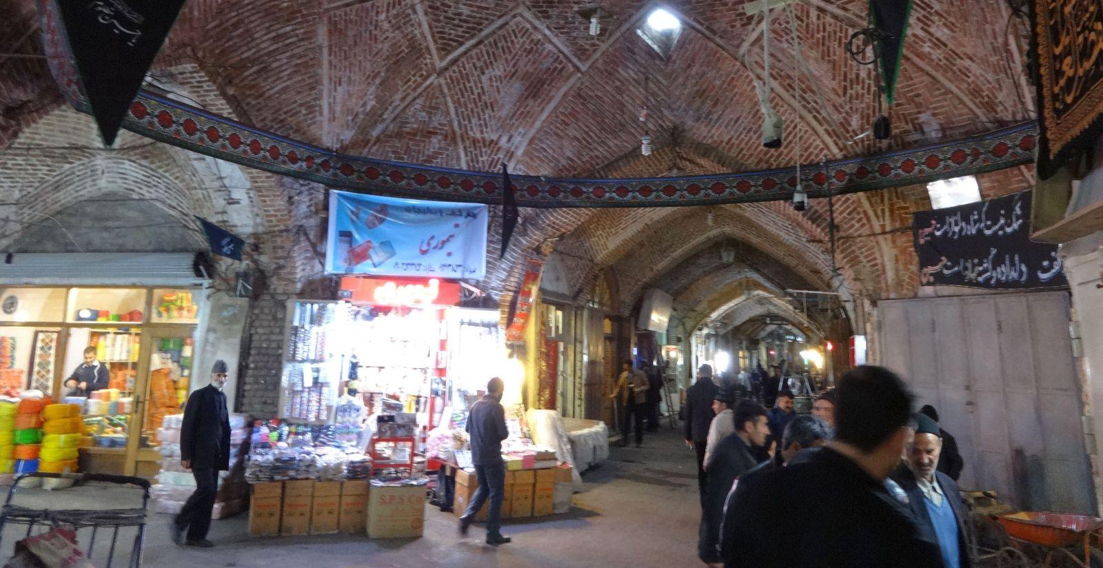 070-im-bazar-von-zanjan