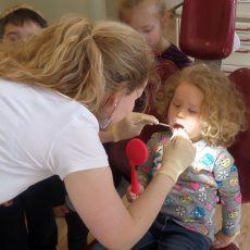 """""""Marienkäfer"""" statten Zahnarztpraxis einen völlig schmerzfreien Besuch ab"""
