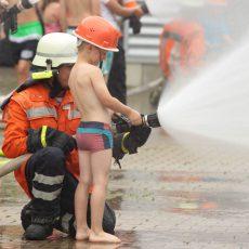 Ferienpass: Kinder erleben einen aufregenden Tag bei der Feuerwehr
