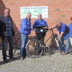 Fahrradstation am Café LebensArt eingeweiht