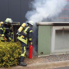 Trafostation im Gewerbegebiet Bantorf brennt