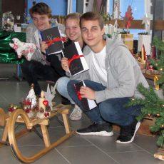 Kreativ: Beim Weihnachtsbasar der LTS-Abschlussklassen gibt es einiges zu entdecken