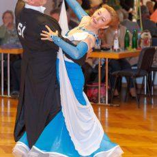 Turnier-Tanzsport: Hamburg erweist sich als gutes Pflaster für Barsinghäuser Tanzpaare