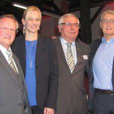Bibiana Steinhaus und Lutz Michael Fröhlich sind die Ehrengäste