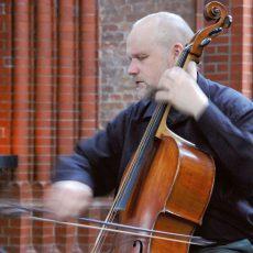 Barockes Cello-Konzert und meditative Texte erklingen in der Klosterkirche