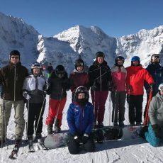 Fußballerinnen vom TSV Groß Munzel machen auch auf Skiern eine gute Figur