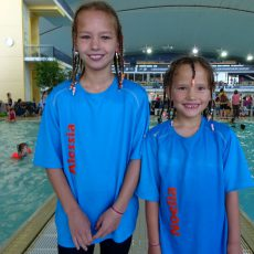 Schwimmer starten enorm stark nach der Trainingspause