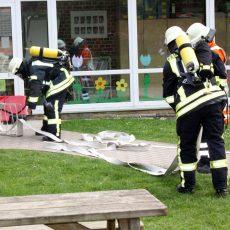 Übung: Rauch steigt aus dem Kindergarten Ostermunzel auf