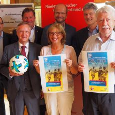 """Die Gruppenauslosung für den 26. """"Cup der Region"""" fand jetzt in Barsinghausen statt"""