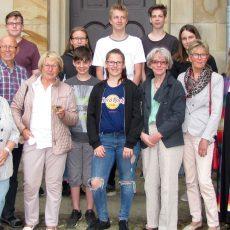 Konfirmanden spenden fast 900 Euro für die Schülerhilfe Senegal und die Tafel