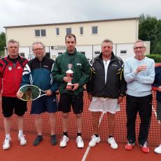 Lutz Borker gewinnt JEKAMI-Tennisturnier