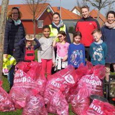 Engagierte Müllsammler sorgen in der Winninghäuser Feldmark für Sauberkeit