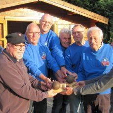 Antiquitäten des Boulesports werden in Landringhausen zu neuen Pokalen umfunktioniert
