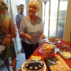 Torten und Kuchen: Fleißige Hobbybäckerinnen laden ins Dorfcafé Eckerde ein