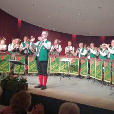 """Konzert der """"Original Calenberger"""" wird von 320 Gästen begeistert gefeiert"""