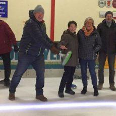 Egestorfer Boulisten haben beim Eisstockschießen ihren Spaß