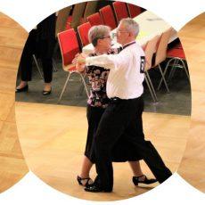 Die neuen Tanzsportpaare des TSV Barsinghausen präsentieren sich