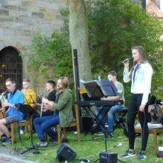 Projektgottesdienst auf dem MSA-Platz mit Jugendband(e) und Vokalensemble