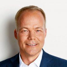SPD-Bundestagsabgeordneter Matthias Miersch sammelt alte Handys am Thie
