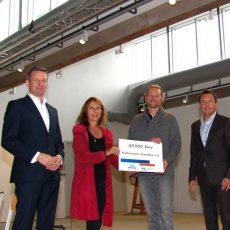 Krawatte erhält kräftige Unterstützung von der Volksbank und der VR-Stiftung in Höhe von 25.000 Euro