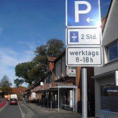 Neue Beschilderung unterbindet die Dauerblockade von Parkbuchten